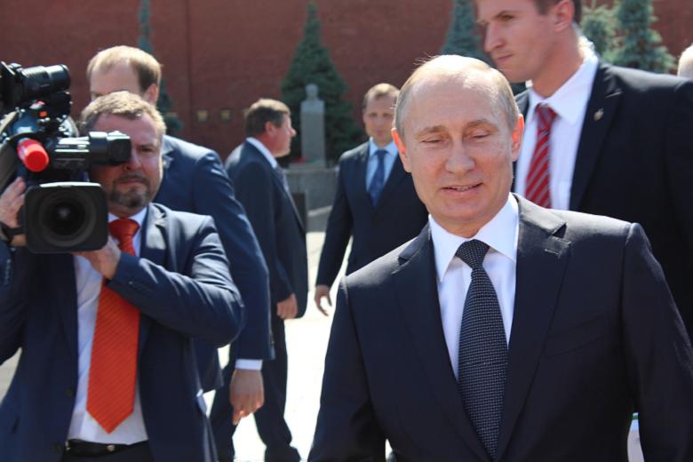 Putin mal riadiť hackerské útoky počas amerických volieb. Obama sľubuje odplatu