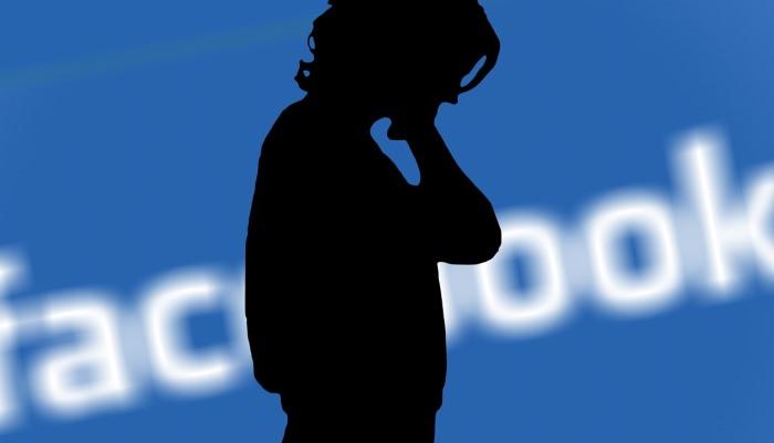 Druhý deň pred Kongresom bol pre Zuckerberga tvrdší