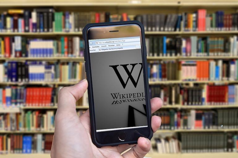 """Nahraďme Wikipediu jej ruskou verziou s """"hodnovernými informáciami"""", vyzýva Putin"""