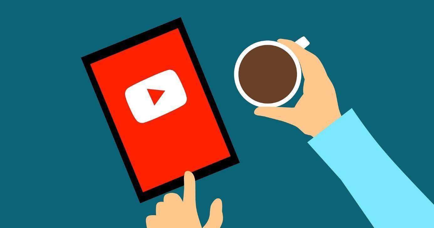 YouTube zakázal klamstvá o koronavíruse. Dostal sa však do pasce