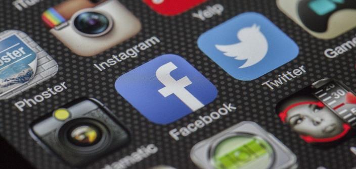Facebook má nový nástroj v boji proti nepravdivým informáciám