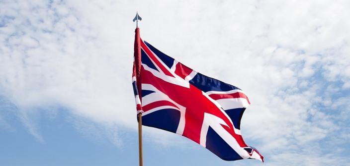 Britský parlament začal skúmať fenomén falošných správ