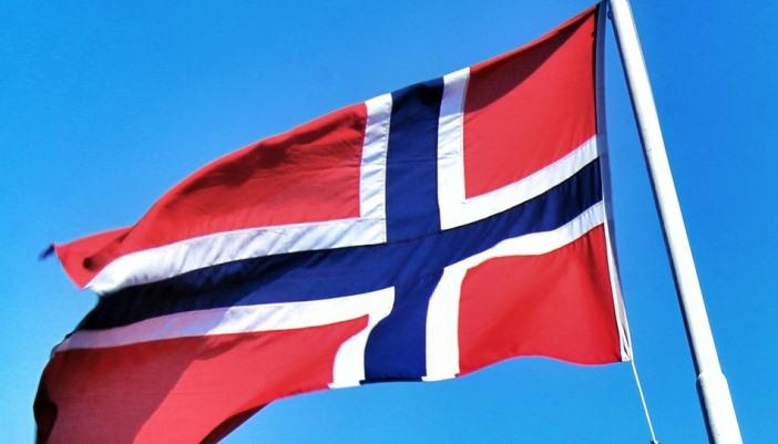 Internetových trollov chcú v Nórsku zastaviť pomocou kvízov pod článkami