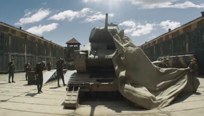 Ruské kiná ovládol ďalší film nekriticky oslavujúci Červenú armádu