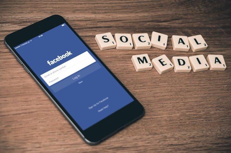 Ako rozpoznať falošné správy? Facebook ponúka desať rád