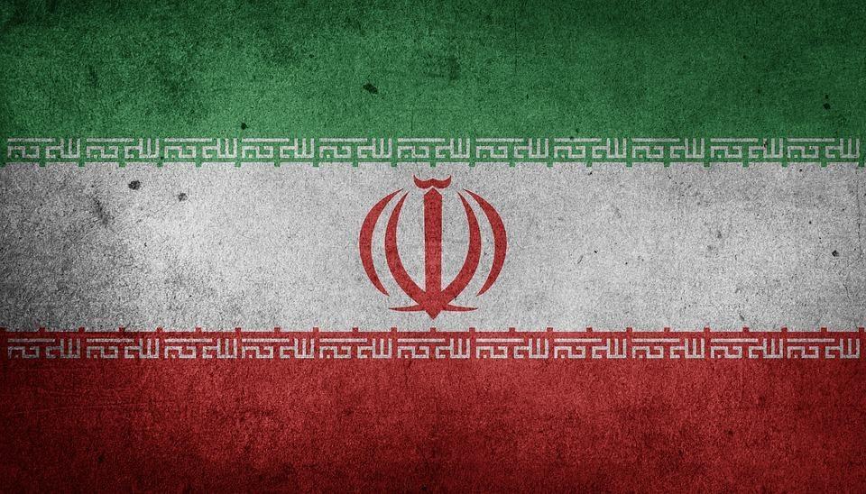 V Iráne uverili, že alkohol lieči koronavírus. Viac ako 700 ľudí zomrelo na otravu metanolom